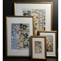 Plastic photo frame - gold